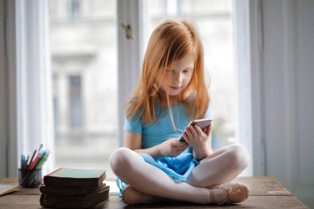 Pantallas y niños: una relación complicada
